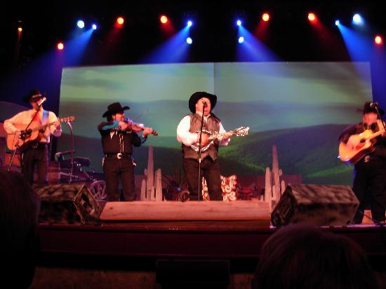 Mickey Gilley Theatre : The band