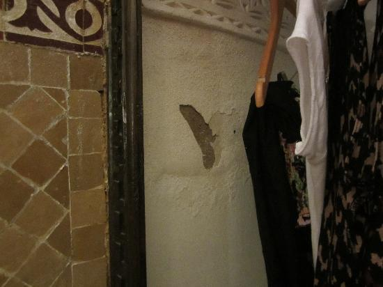 Riad Amira: Plaster coming off the wall