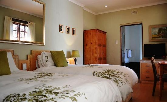 Shepherds Court Guest House: Superior Twin Room