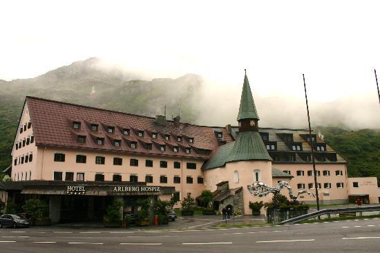 St. Christoph am Arlberg, Austria: Un bel édifice