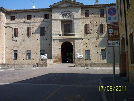 Soragna, Italia: Ingresso principale