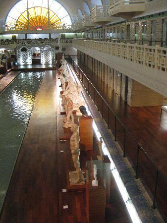 Musée La Piscine : Encore une superbe vue plongeante de la salle du Musée d'art et d'industrie de Roubaix