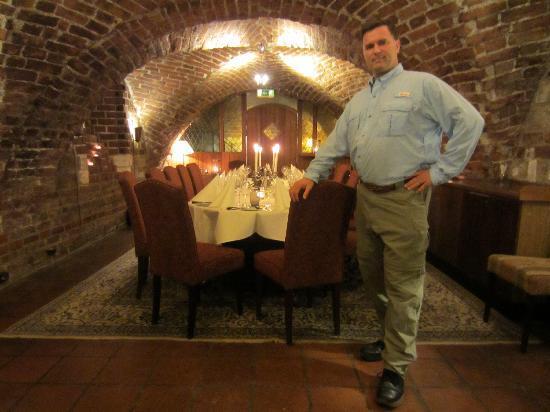 Arstiderna I Kockska Huset : Me introducing the table