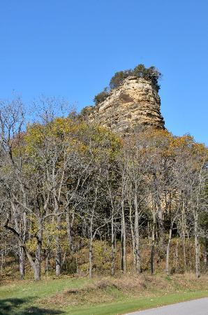 Baraboo Bluffs: Tower Rock