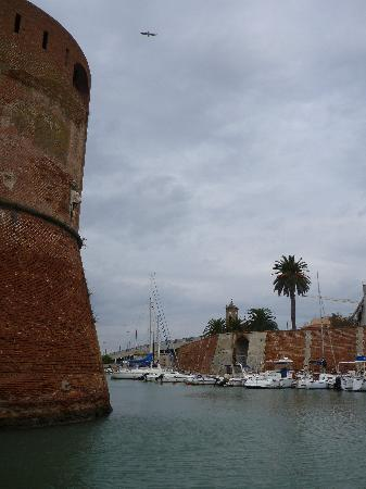 Livorno, Italy: Cruising around the fortress island