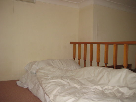 Belsize Park Apartments: gallery with single bed, app. No. 6