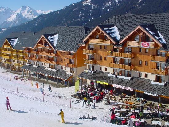 R sidence go lia le rond point des pistes hotel saint - Office de tourisme saint francois longchamp ...