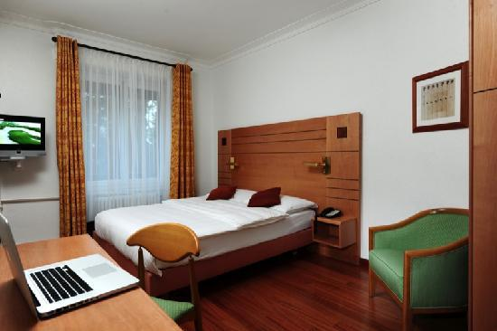 Eden Hotel Geneva : Room Hotel Eden Geneva