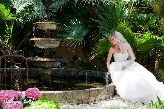 Forsyth Park Inn: Courtyard Fountain