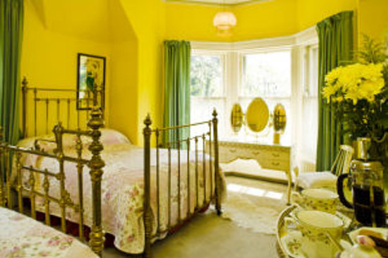 Old Rectory: Bedroom Suite