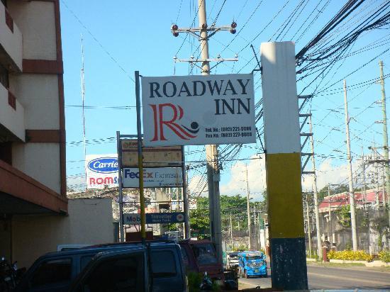 Roadway Inn : Signage
