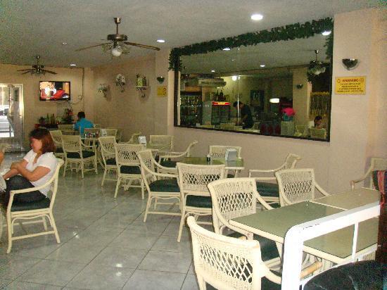 Roadway Inn : Lobby/cafe
