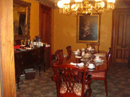 The Mansion of Saratoga: Dining Room