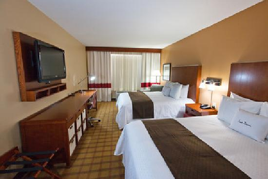 DoubleTree by Hilton Raleigh - Cary: 2 Queen Bed Room