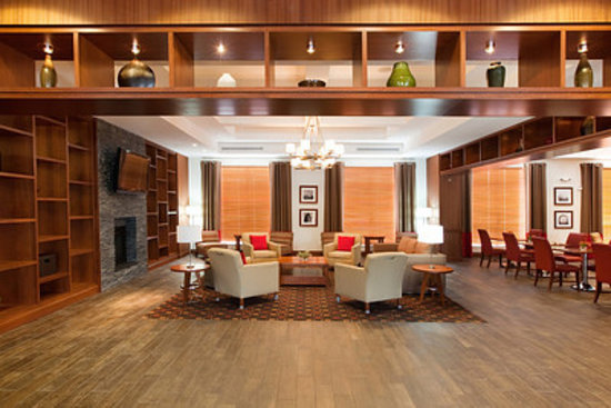 DoubleTree by Hilton Raleigh - Cary: Lobby