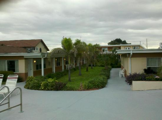 Long Key Beach Resort & Motel: Courtyard