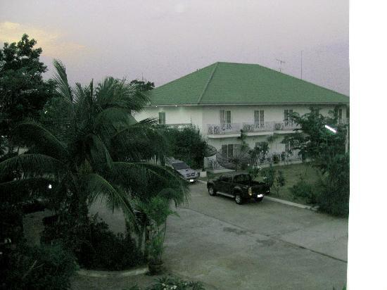 Kasem Garden: View from Kasemgarden Hotel.