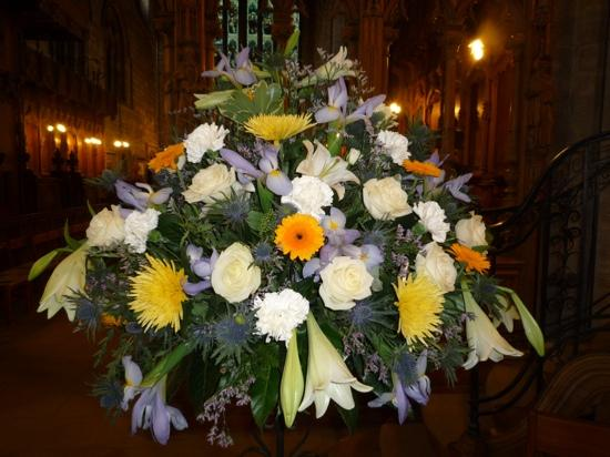 Dunblane Cathedral: Flower decoration