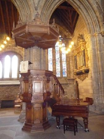 Dunblane Cathedral: Pulpit