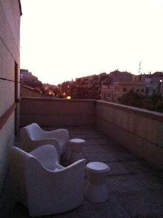 Leonardo Hotel Madrid City Center: Balkon