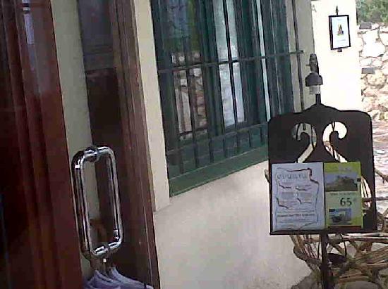 Finca Fanecaes Hotel Rural Castillo de Biar: LA ENTRADA DEL HOTEL