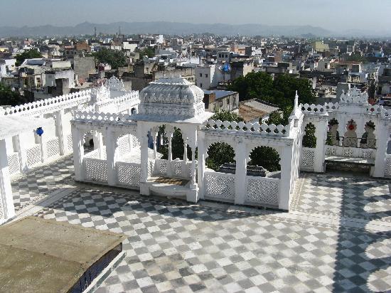 Shree Jagdish Mahal Heritage Hotel (Nagarseti Ri Haveli): View from the terrace