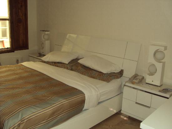Ocean Five Hotel: Really comfy bed
