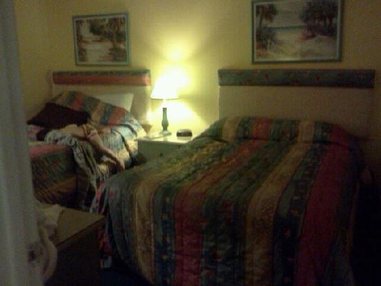 Beach Quarters Resort: Bedroom pic 1