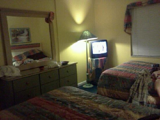 Beach Quarters Resort: Bedroom pic 2