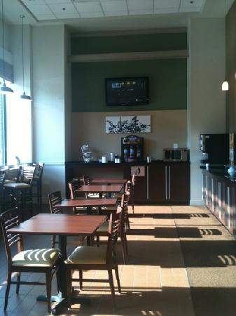 Sleep Inn & Suites Downtown Inner Harbor: Breakfast area