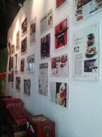 Pin Chuan (Taojiang): entrance with accolades