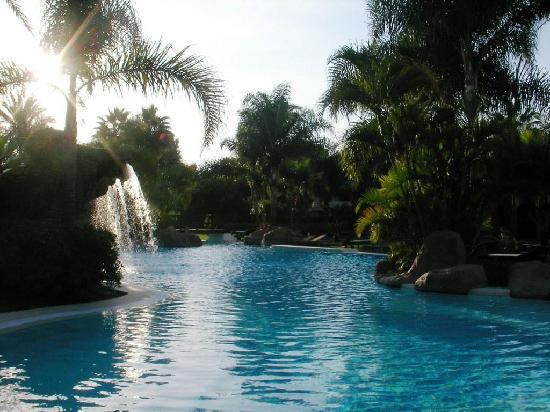 เมเลีย มาร์เบลล่า บานุส โฮเต็ล: Evening view of the 2nd pool