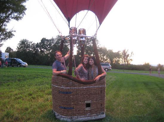 Guru Balloon - New York: Yay we landed! Thanks Adam!