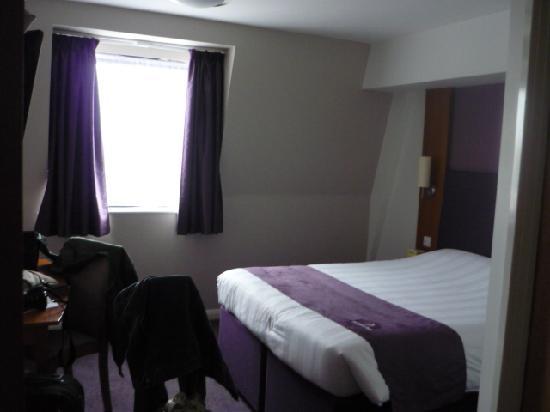 Premier Inn London Hanger Lane Hotel: stanza