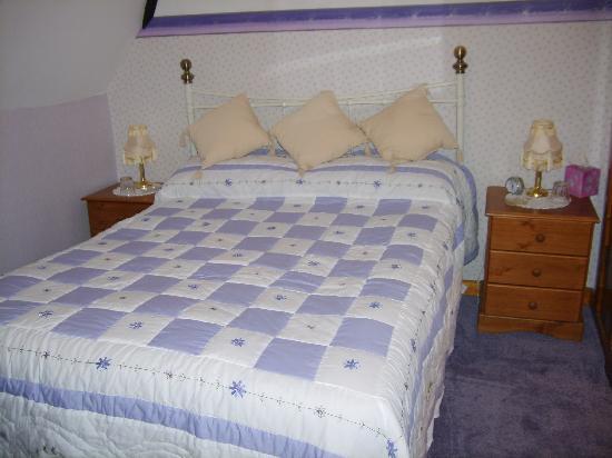 Tewkesbury Cottage: En suite Room