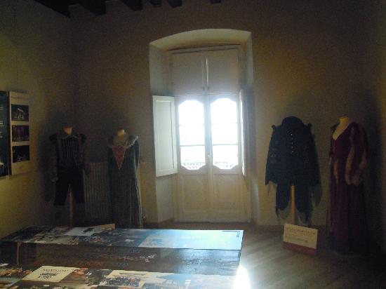 Casa Natale Donizetti: Costumi di scena