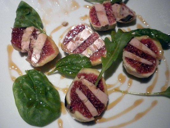 La Clara Restaurant : Delicious stuffed figs.