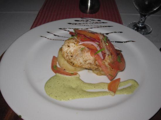 El Mirador Bar & Restaurant: Chef's Sea Bass.