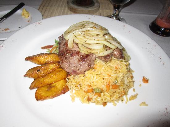 El Mirador Bar & Restaurant: Costa Rican onion and steak.