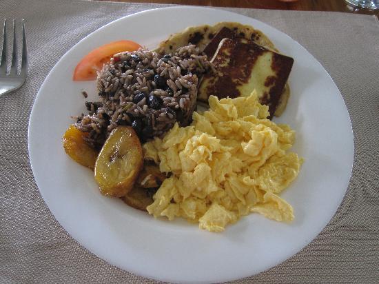 El Mirador Bar & Restaurant: Traditional Costa Rican breakfast.