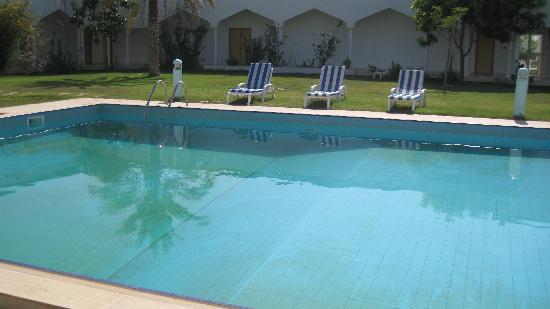 Al Sharqiya Sands: piscina