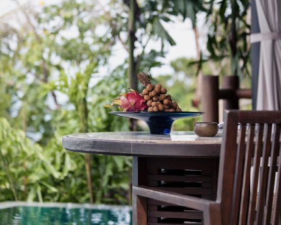 Four Seasons Resort Koh Samui Thailand: daily fruit delivered to room