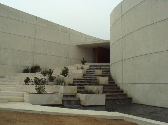 Don Maximiano Vineyard : New Bodega main entrance