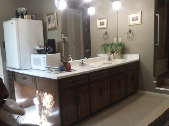 Commodore Bed & Breakfast : Master Suite Bathroom