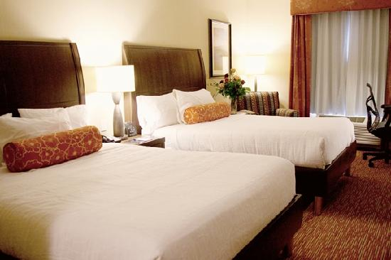 Holiday Inn Express Hotel & Suites Watertown-Thousand Islands: Double Queen Evolution Room
