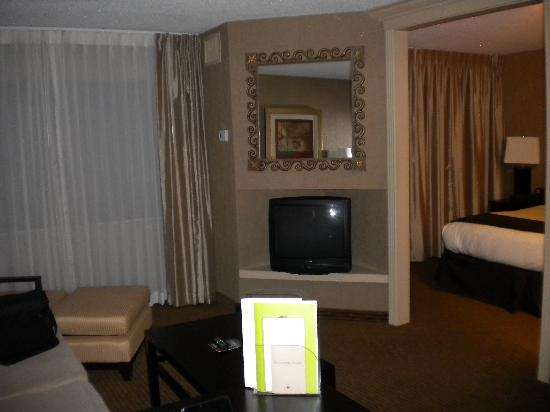 DoubleTree Suites by Hilton Hotel Dayton - Miamisburg: View from the desk