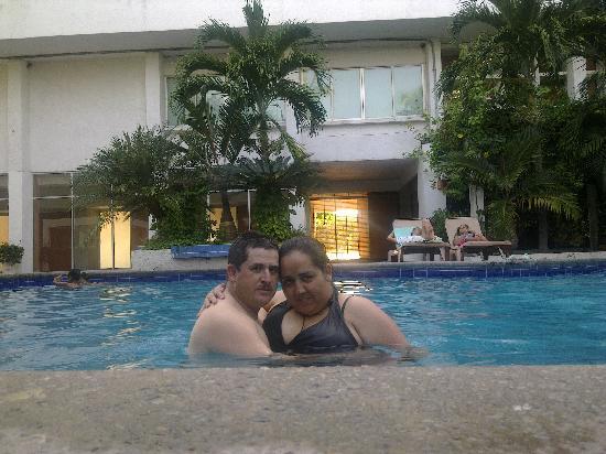 Hotel De Cima: EN LA ALBERCA DEL HOTEL