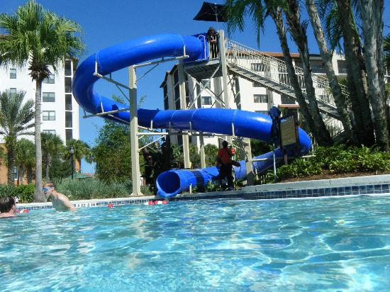 Holiday Inn Club Vacations Orlando - Orange Lake Resort: water slide at river island