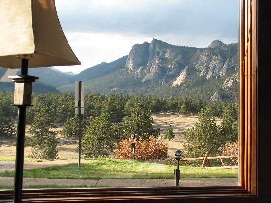 Black Canyon Inn: looking out the front window