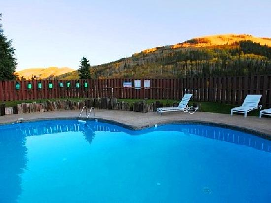 Vail Run Resort: Heated Pool